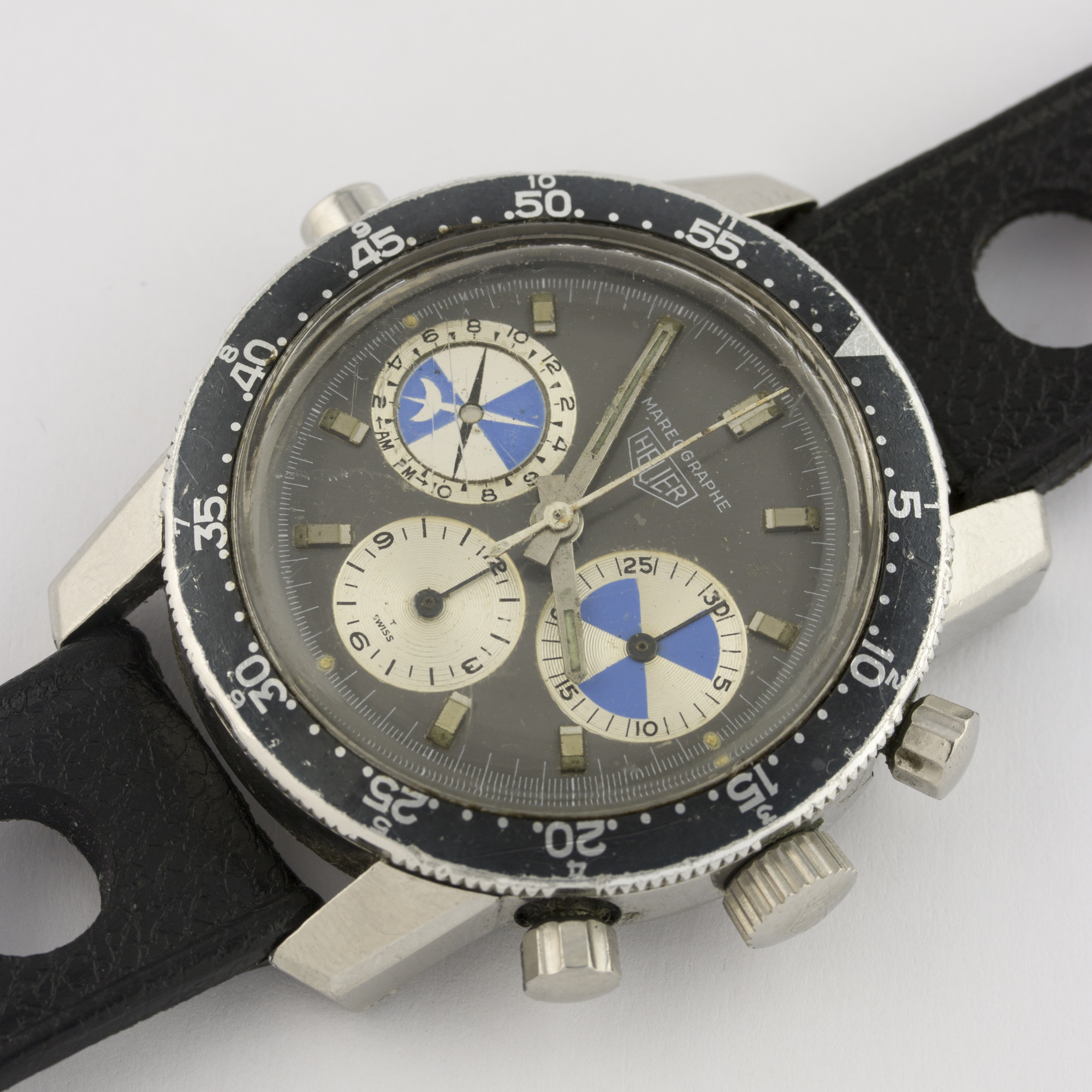 Lot 146 - AN EXTREMELY RARE GENTLEMAN'S STAINLESS STEEL HEUER MAREOGRAPHE TIDAL CHRONOGRAPH WRIST WATCH