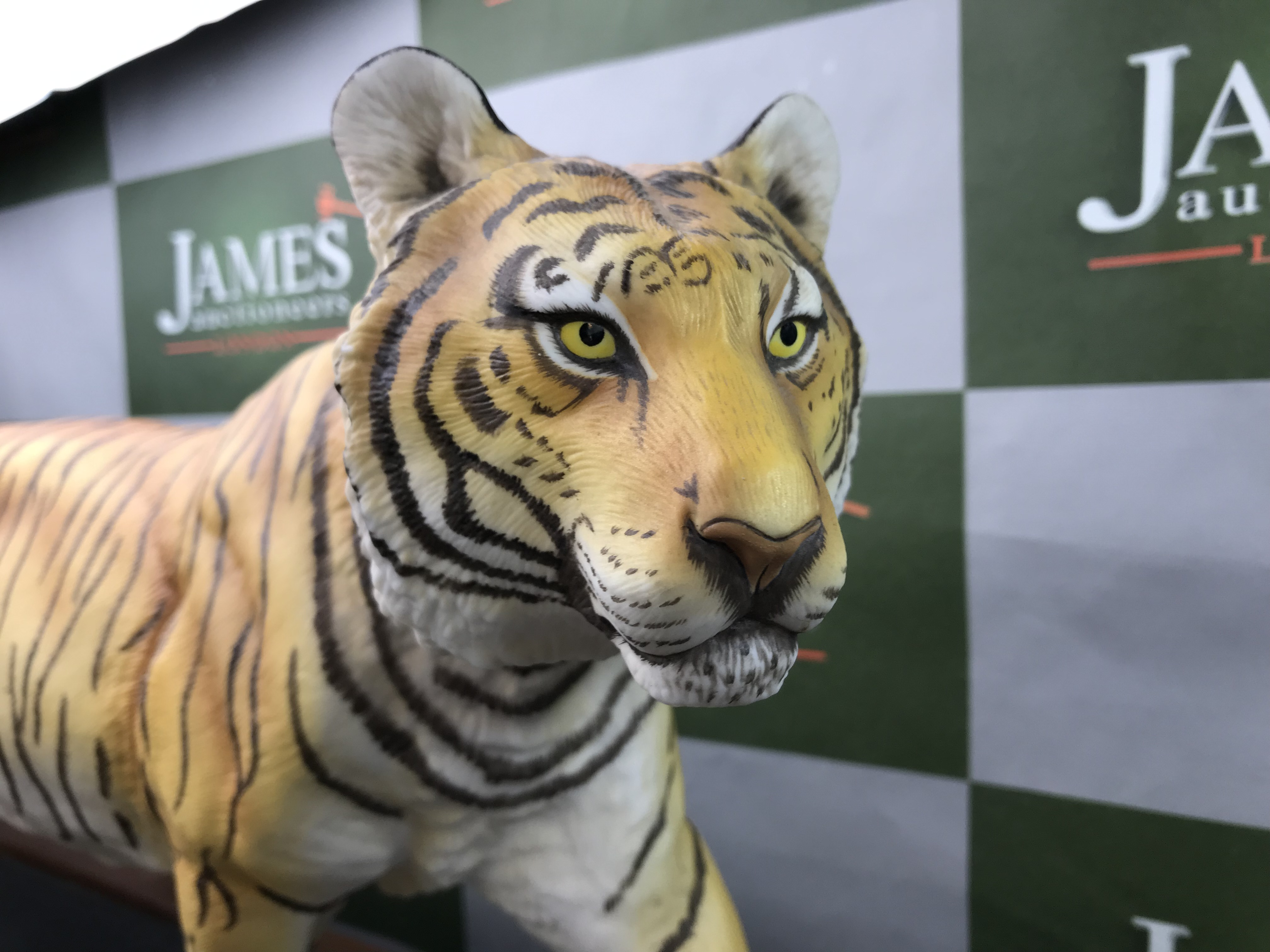 """Lot 24 - Franklin Mint Tiger """"On The Prowl"""" Large 25 inch On Plinth Example"""