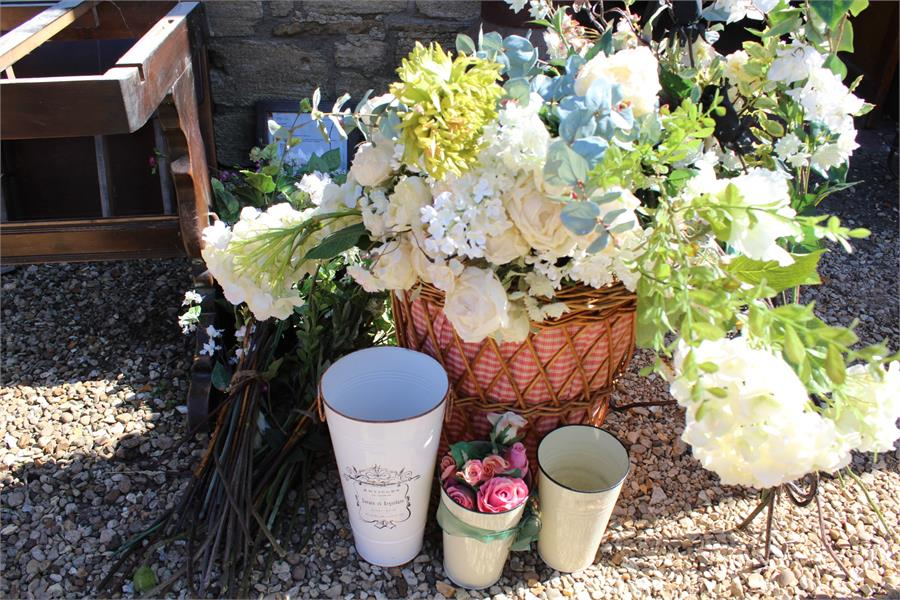 Lot 11 - artificial flowers and containers / basket