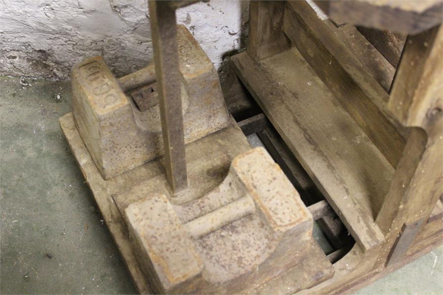Lot 47 - a set of sack scales and weights - makers ..............