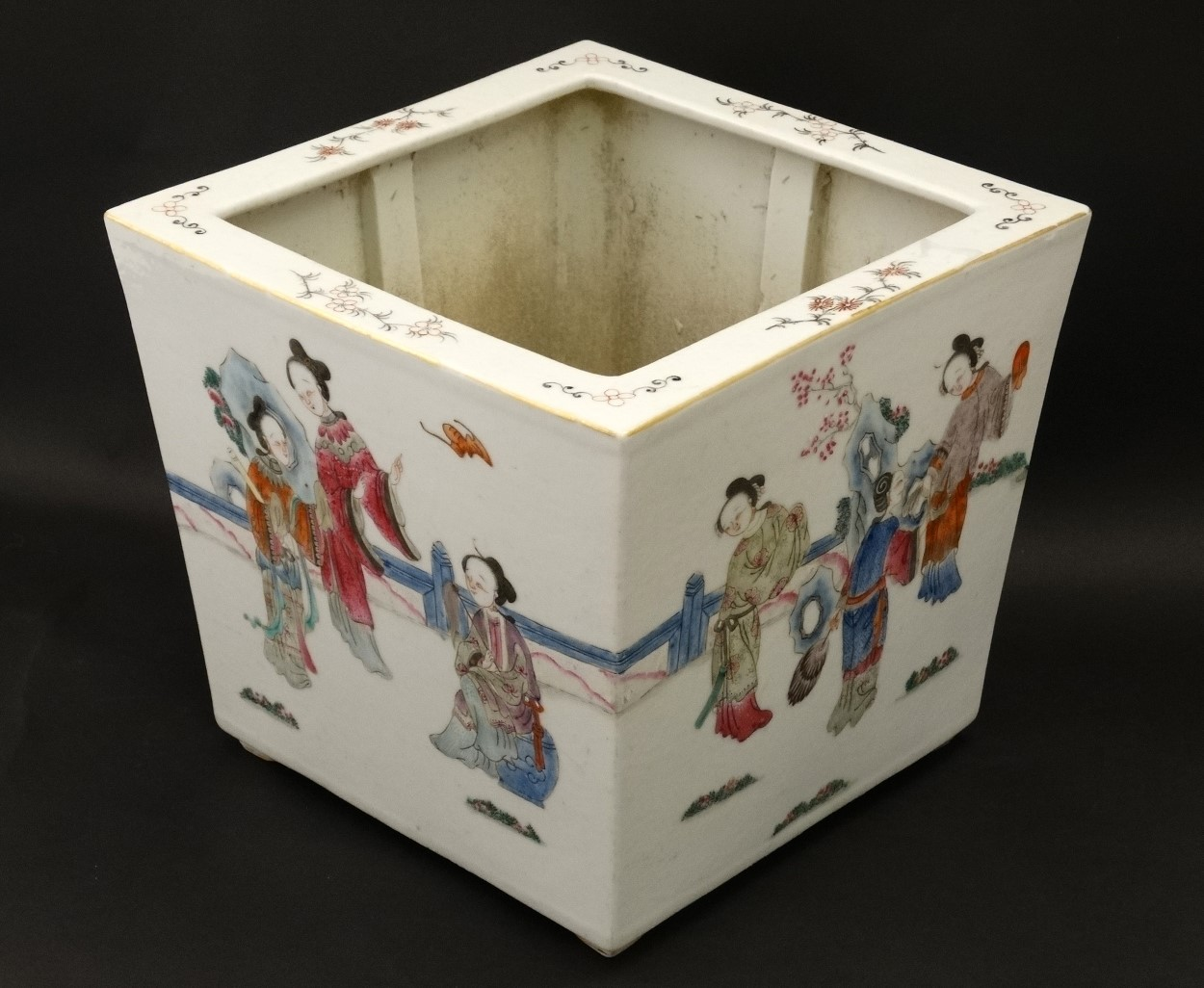 Lot 15 - A Chinese famille rose jardiniere of square form ,