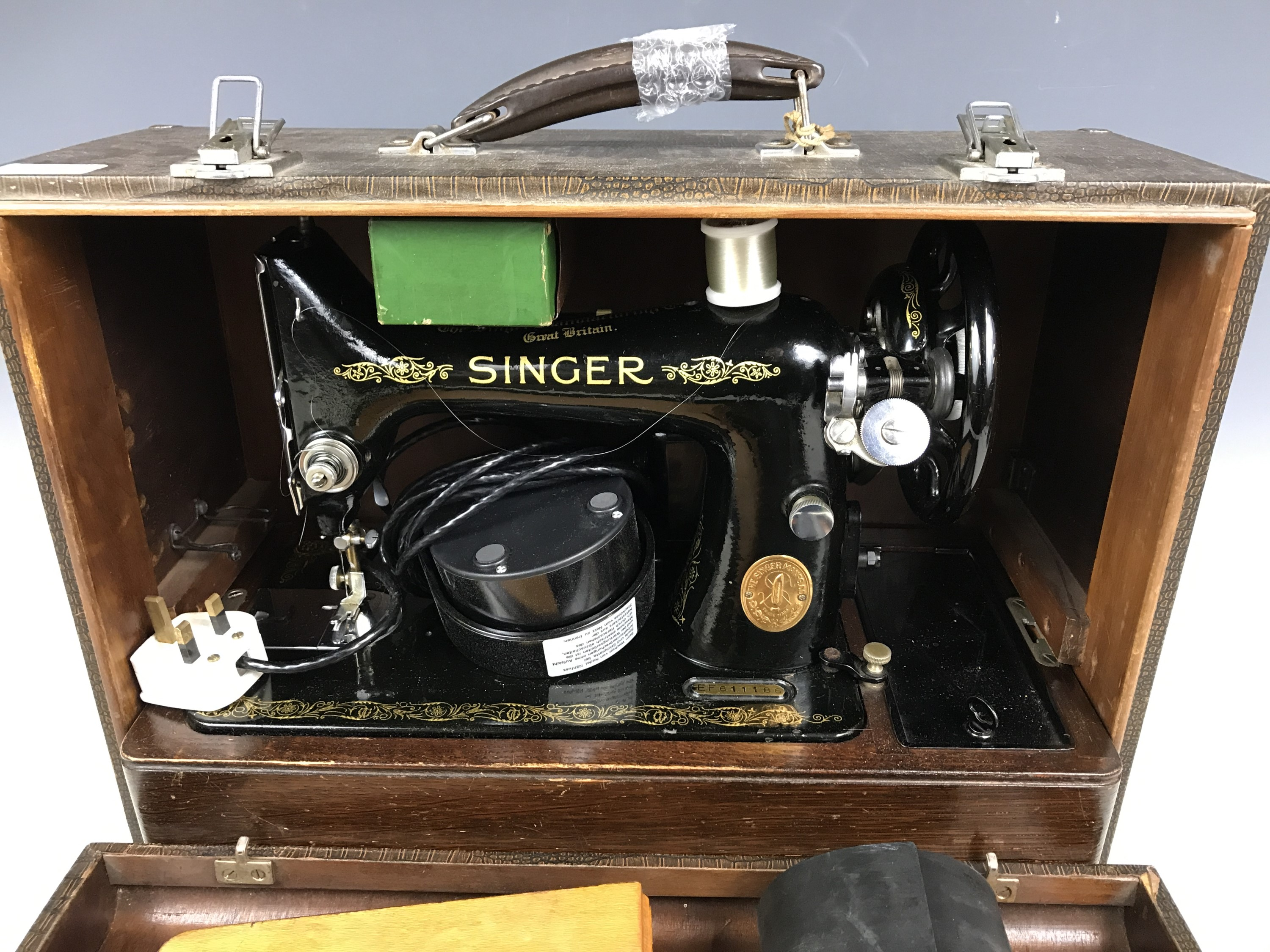 Lot 17 - A vintage table model Singer sewing machine
