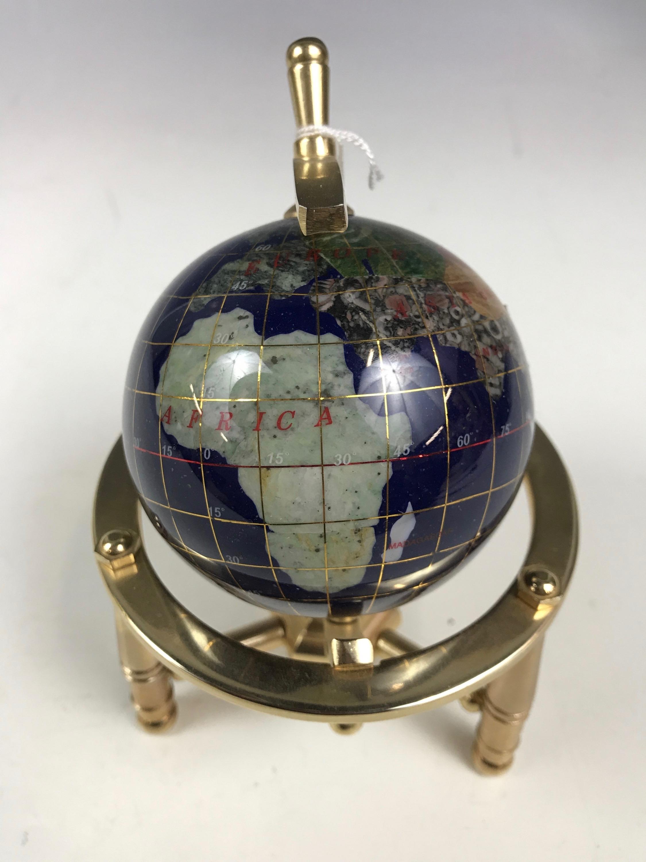 Lot 29 - A specimen rock globe