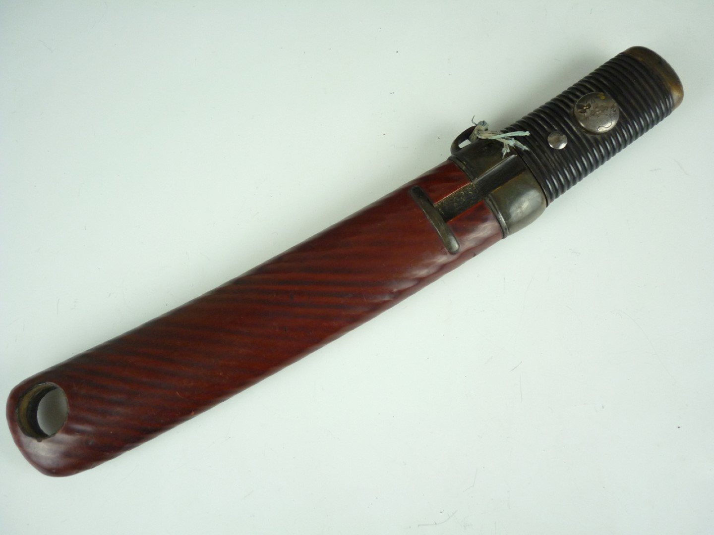 Lot 104 - A Second World War German Kriegsmarine officer's dagger by Eikhorn, with portepee and hanging
