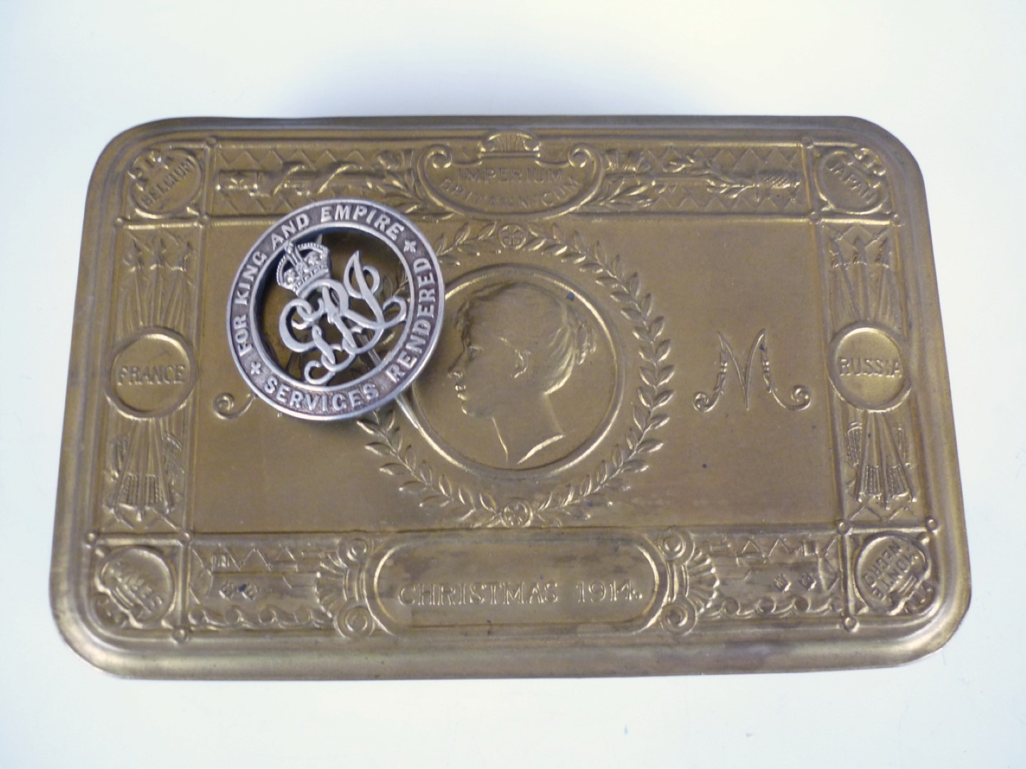 Lot 67 - A 1914 Princess Mary gift tin and a Silver War Badge number 379887