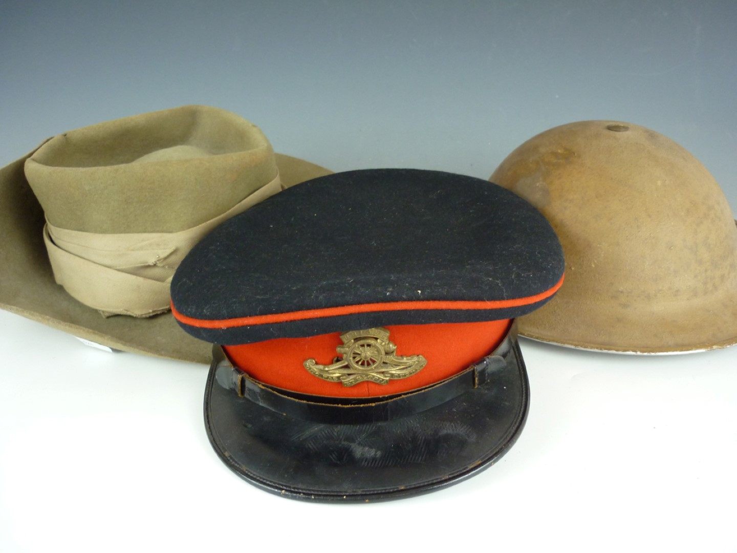 bc7b6022a30 Lot 44 - A Second World War British army slouch hat