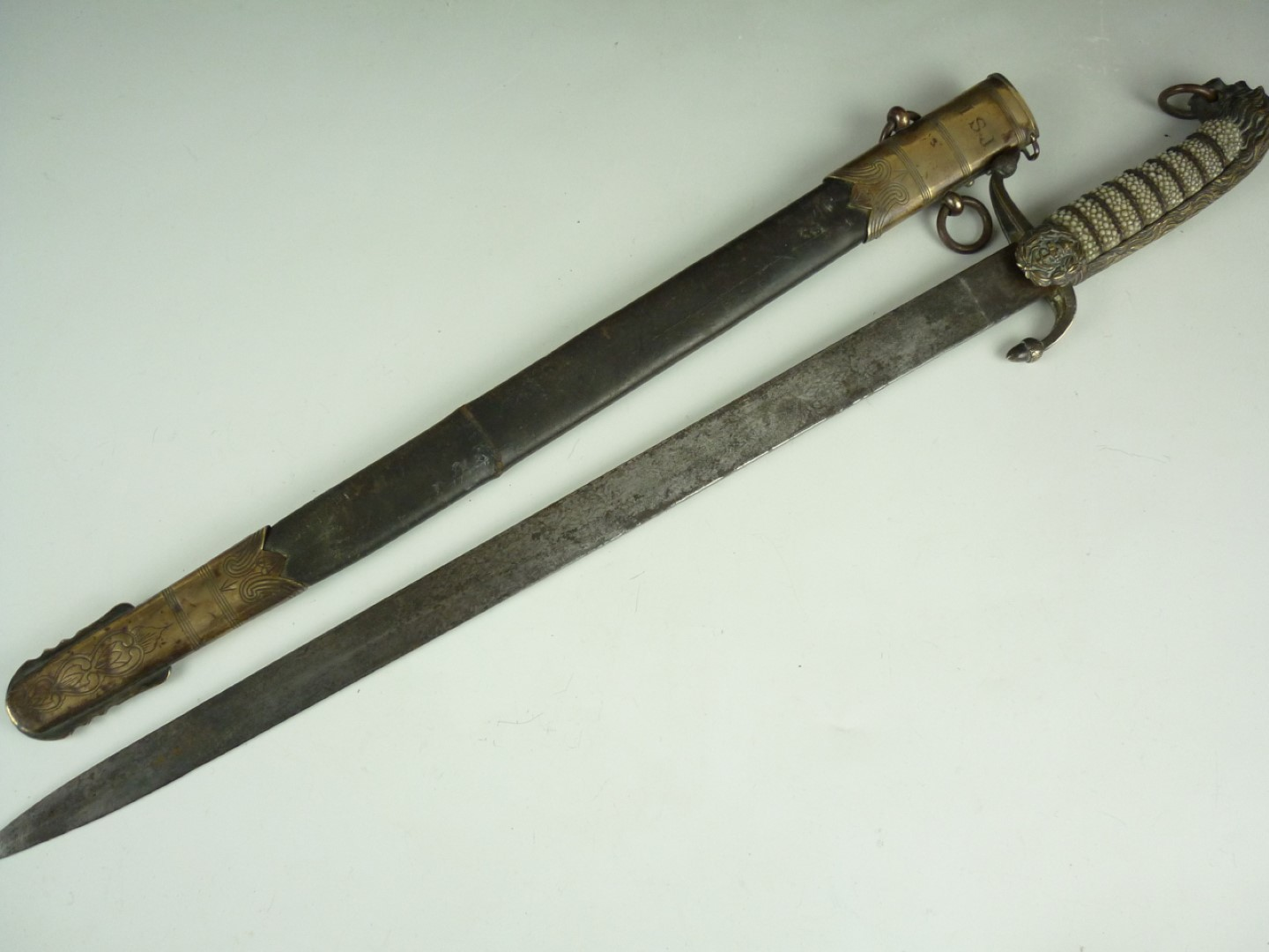 Lot 87 - An early 20th Century Royal Navy Midshipman's dirk