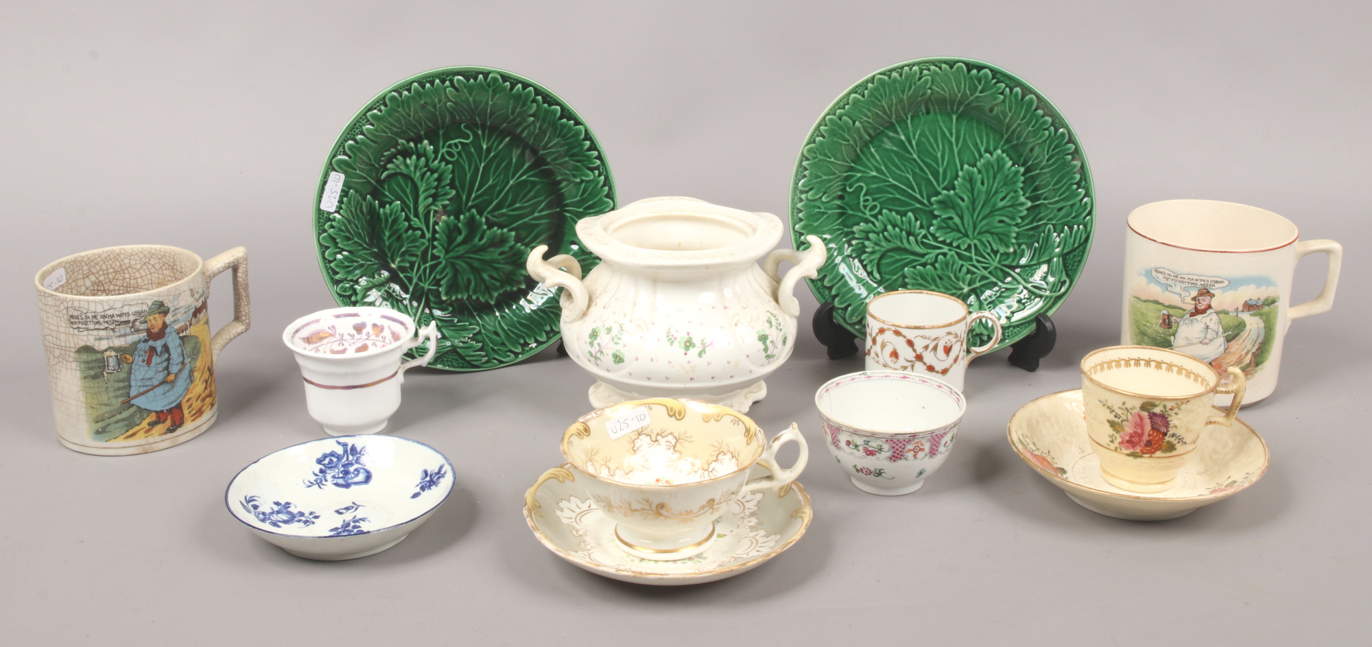Lot 1 - A quantity of mostly antique porcelain and pottery including 18th century Worcester saucer, leaf