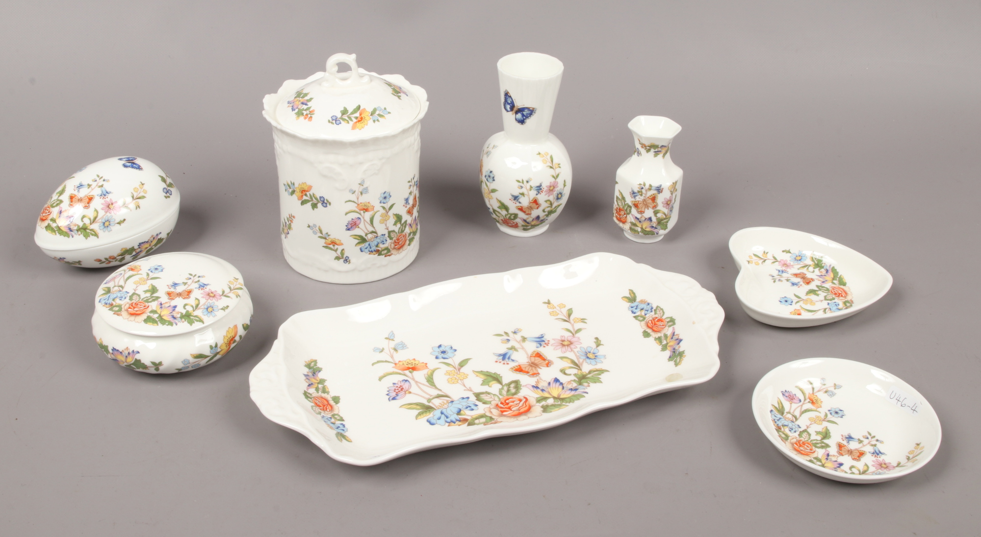 Lot 39 - A quantity of Aynsley bone china in The Cottage Garden design including trinket dishes and vases