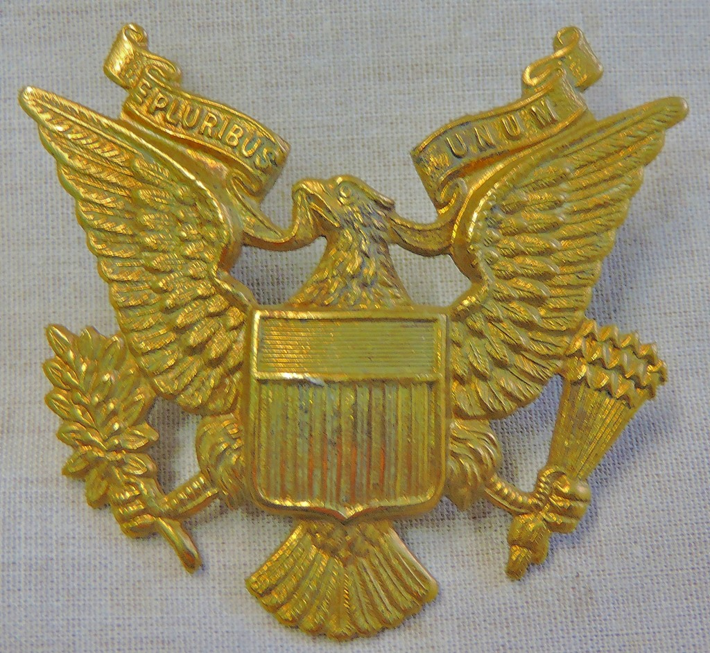 Lot 146 - 1st American Squadron Home Guard WWII Cap badge, (Brass, lugs). This was a U.S. Army Officers cap