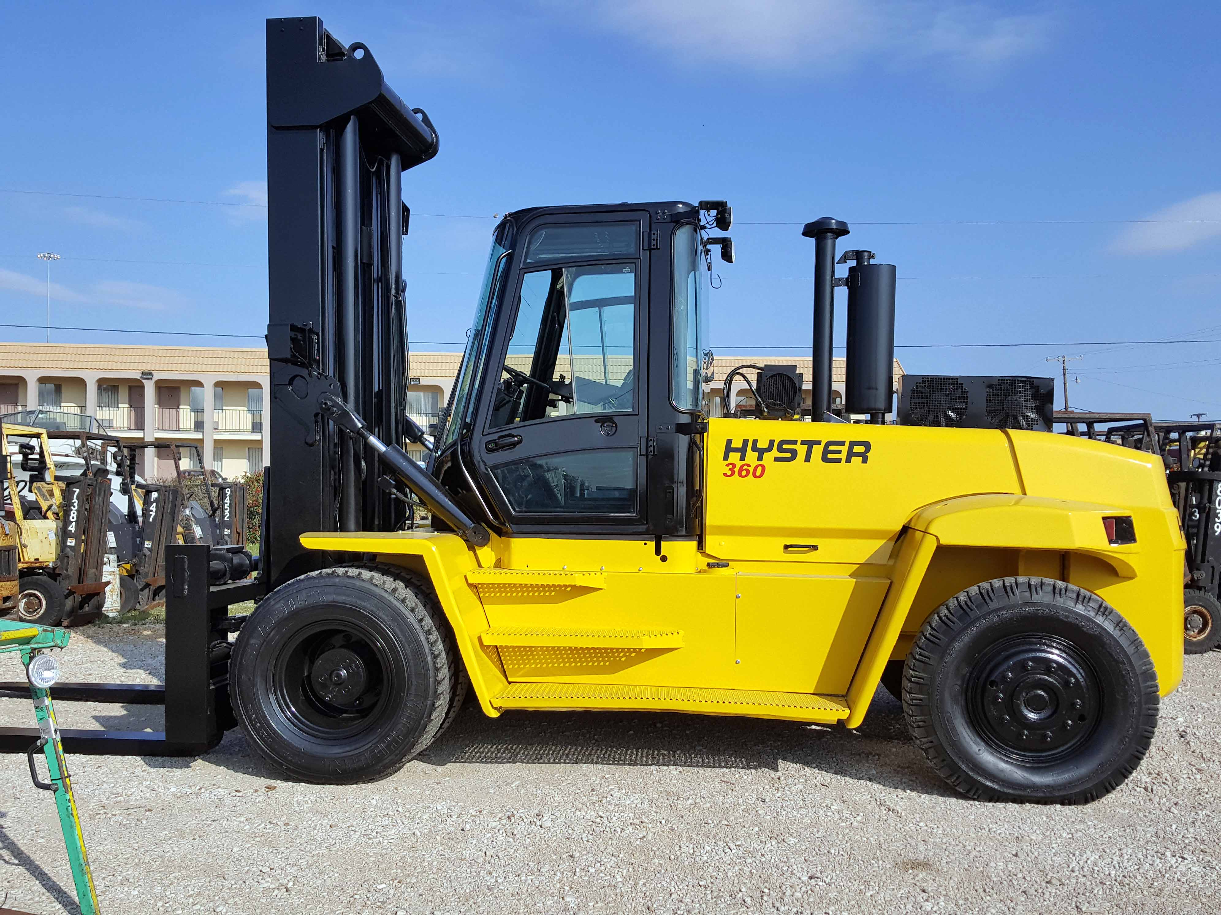 "Lot 15 - LARGE CAPACITY FORKLIFT, HYSTER 36,000 LB. CAP. MDL. H360HD, new 2006, diesel, 160"" standard mast,"