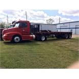 Lot 8 - TRACTOR, VOLVO MDL. VVN, new 2000, S/N 4V4N22UF4YN-794241 with HOBBS 30' TRAILER (Location 1)