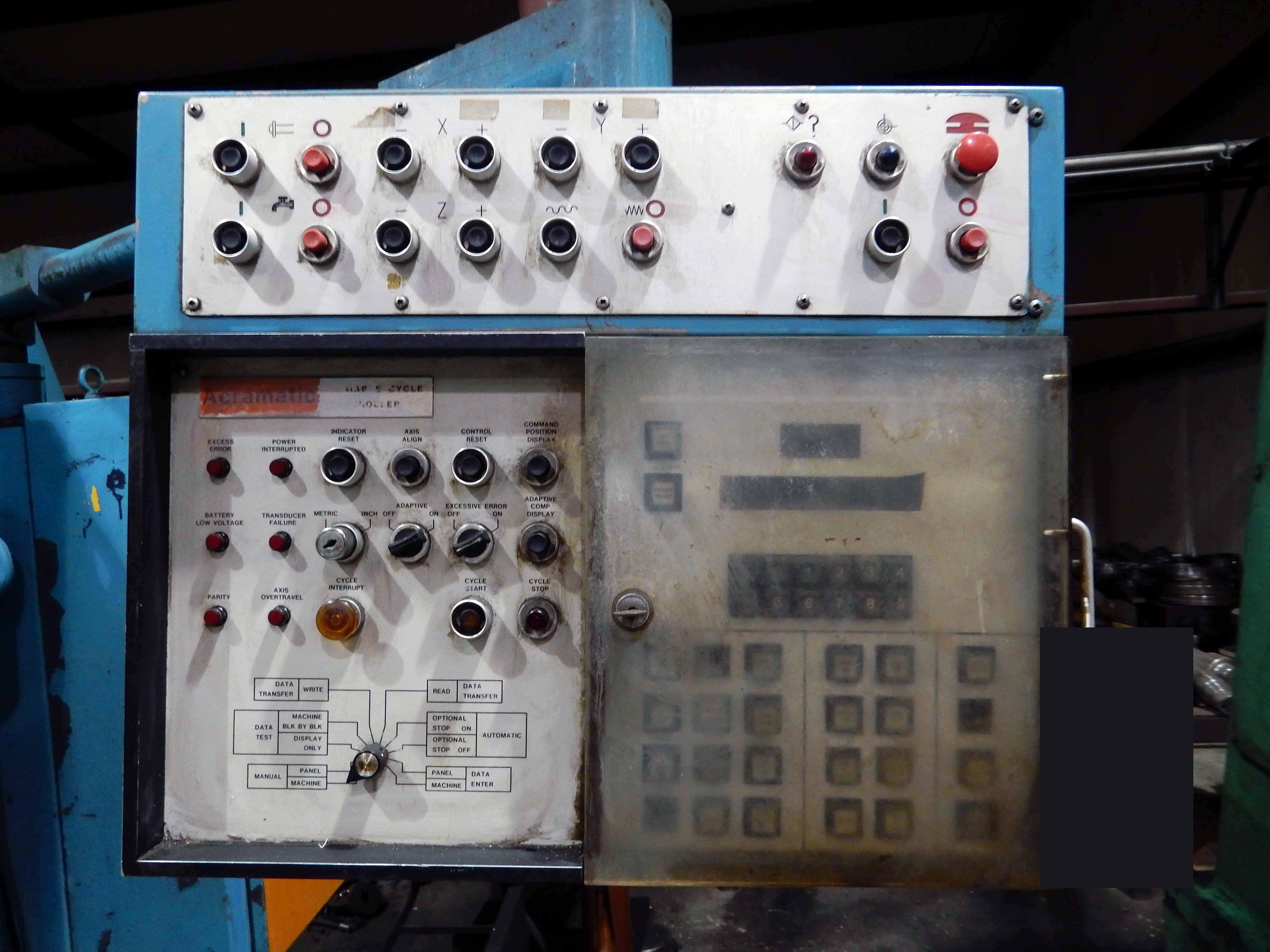 "Lot 49A - VERTICAL MILL, CINCINNATI MILACRON, Cincinnati Accra-Matic push button controls, 16"" x 80"" table,"