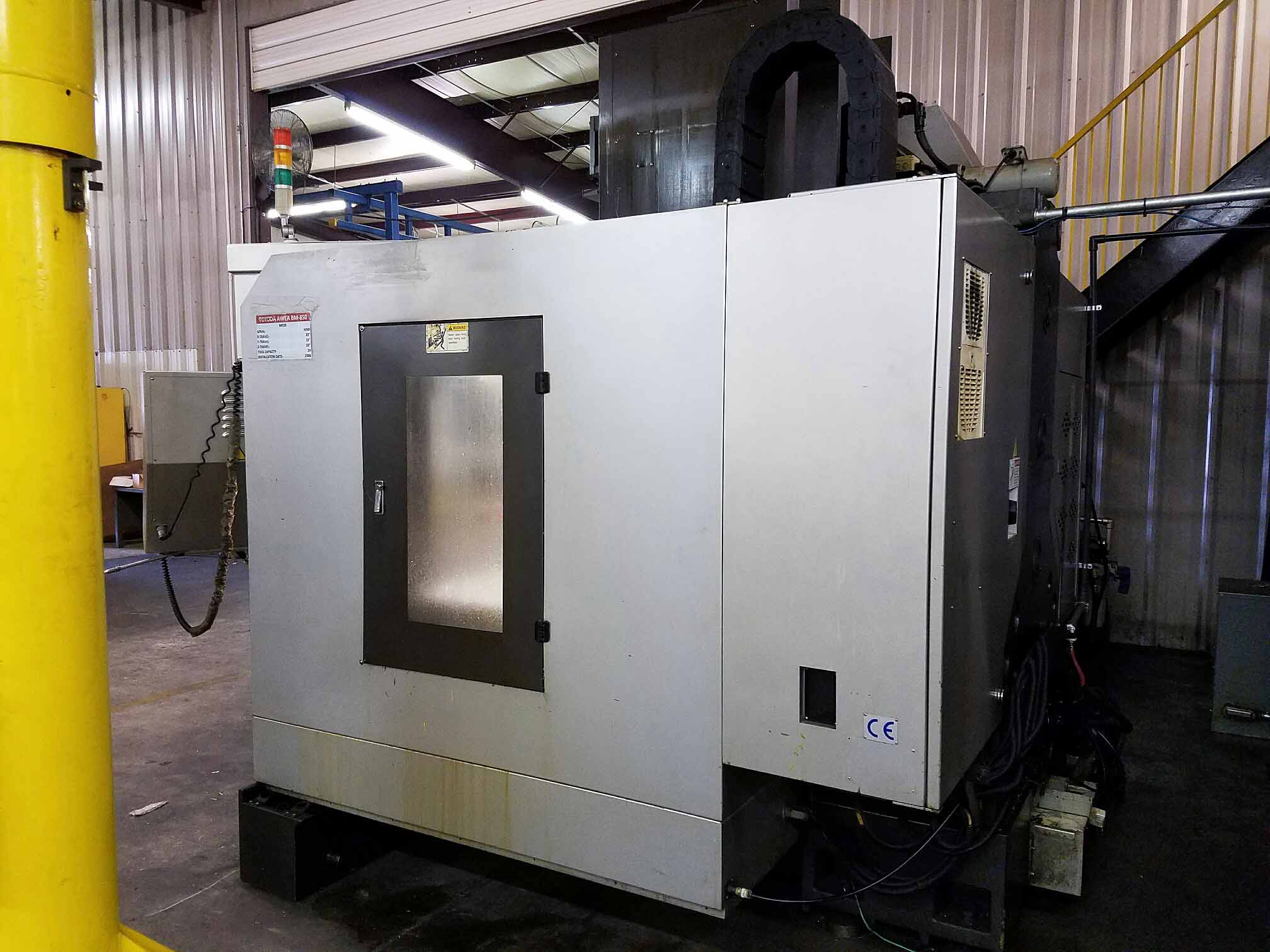 Lot 10 - VERTICAL MACHINING CENTER, TOYODA AWEA MDL. BM-850, new 2006, Fanuc Series 18i-MB CNC control, 33""