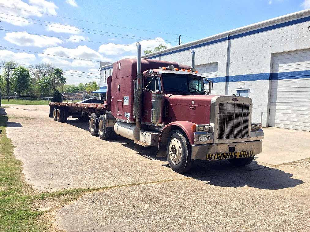 Lot 9A - TRACTOR, PETERBILT, new 1989, 425 HP, 14.0 L, 15 spd. transmission, Eaton DS-402 front driver, 3.