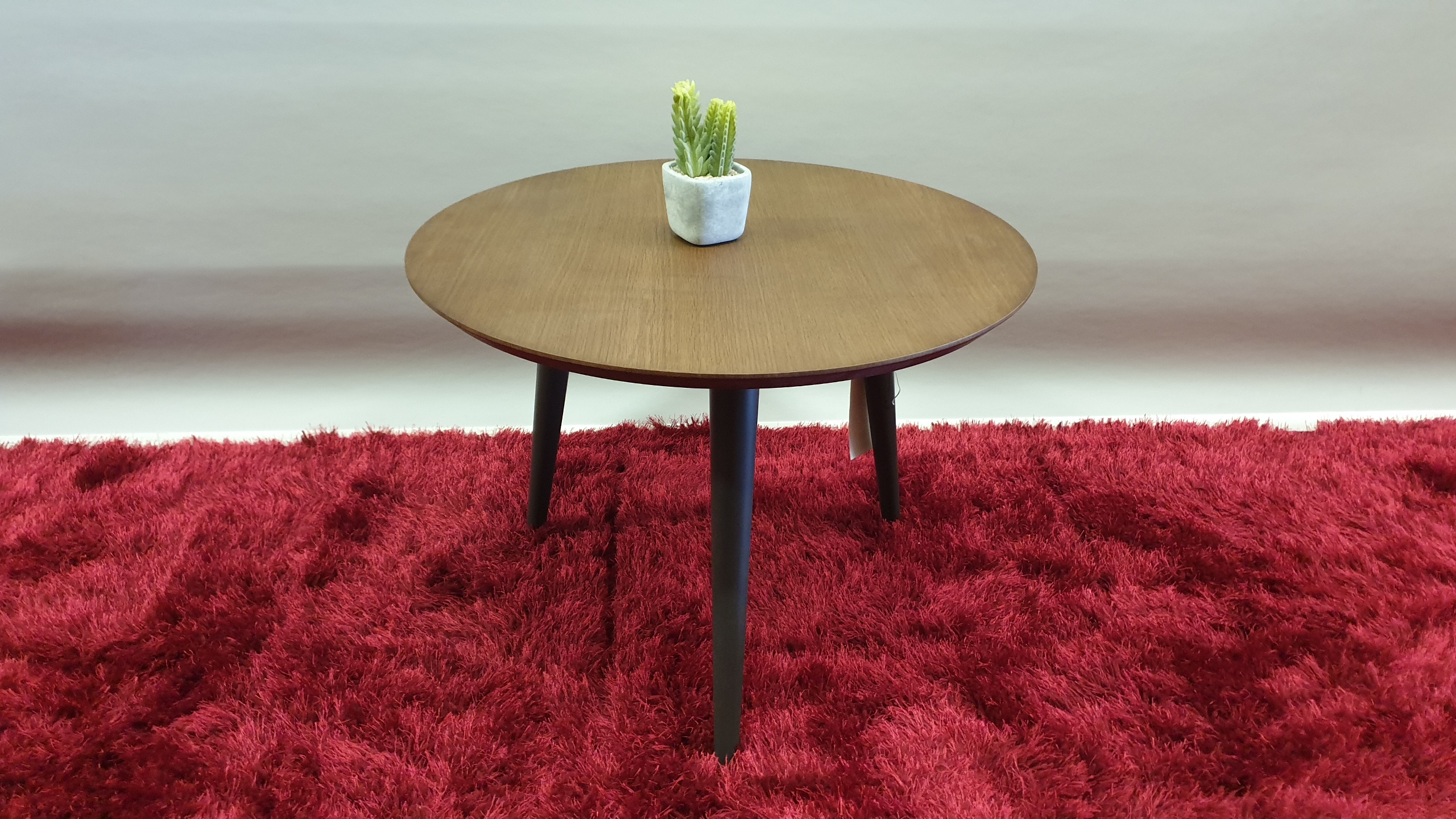 BRAND NEW ROUND PLANT TABLE SIZE 595 X 450 RRP £99.00