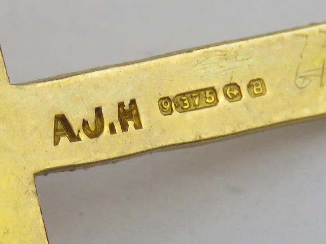 A 9ct gold cross pendant, hallmarked Bir - Image 2 of 2