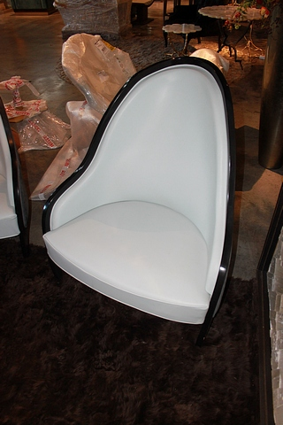 Lot 34 - Armchair Ave beautifully crafted generously proportioned with sweeping curves the armchair is
