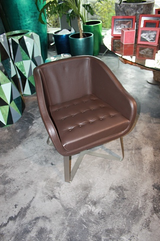 Lot 137 - Armchair Alder a handmade tufted leather armchair mounted on a metal frame 71x67x87cm Cravt SKU