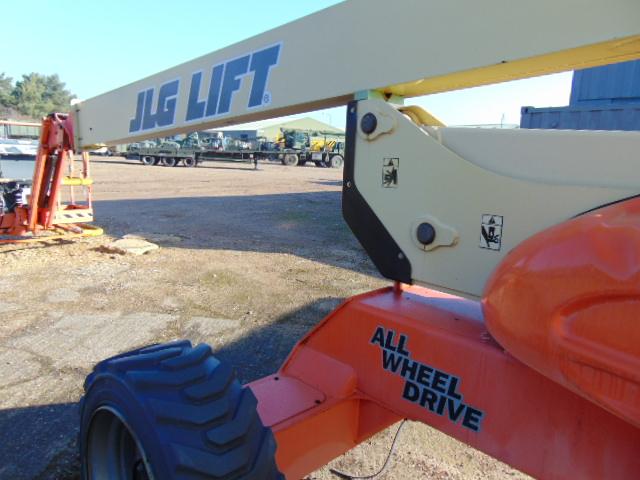 Lot 2 - JLG M600JP Lift 565 Hours Only!!