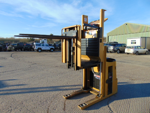 Lot 6 - 2009 CAT NOL10NF Low Level Electric Order Picker