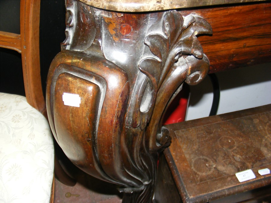 A decoratively carved console table with cabriole - Image 3 of 16