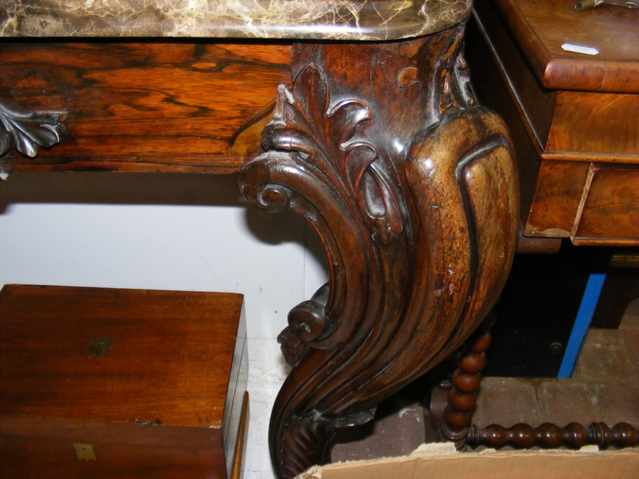 A decoratively carved console table with cabriole - Image 8 of 22