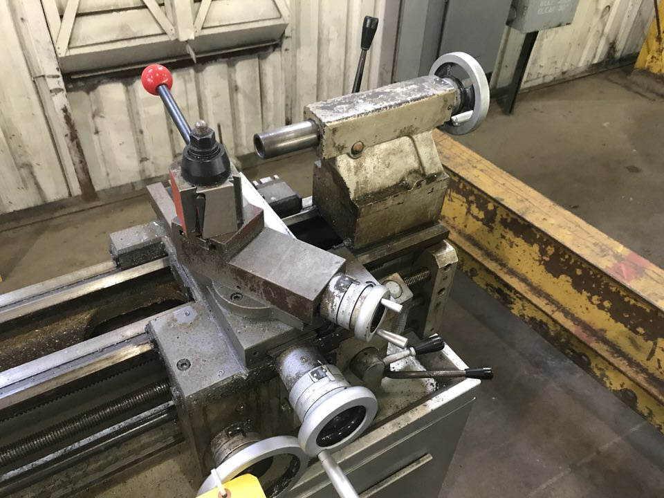 """Lot 112A - Vectrax Engine Lathe, Swing: 14"""", Centers: 40"""", Tool Post, 3 Jaw Chuck, Tailstock"""