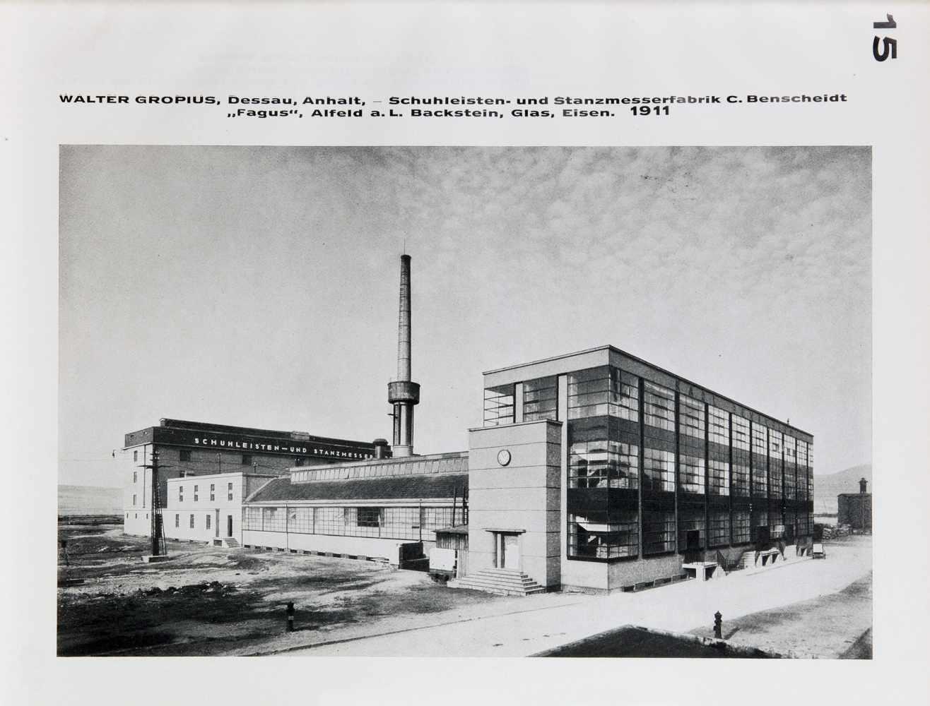 Bauhaus - Walter Gropius. Internationale Architektur. München, Albert Langen 1925. Mit zahlreichen