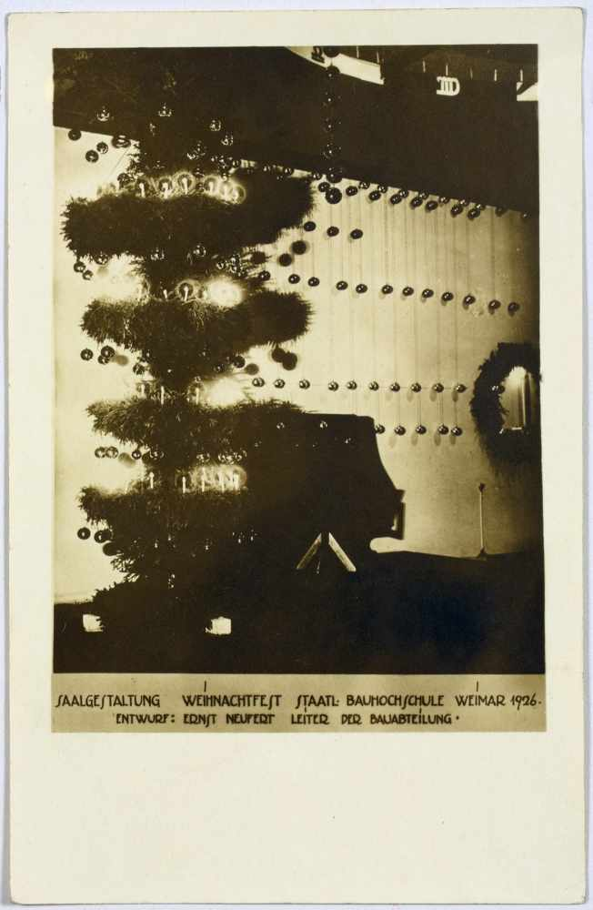 Bauhaus - Saalgestaltung Weihnachtsfest Staatl. Bauhochschule Weimar 1926. Drei Originalfotografien.