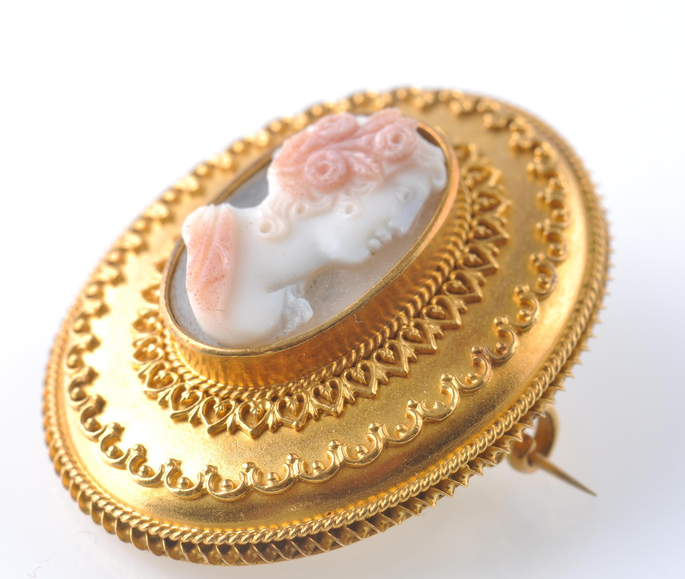 VICTORIAN 19TH CENTURY GOLD AND HARDSTONE CAMEO BR - Image 3 of 4