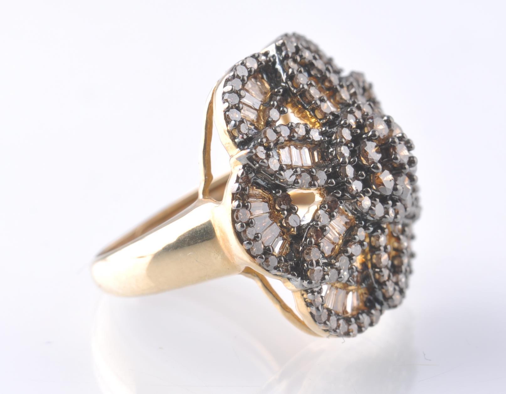 9CT GOLD BIRMINGHAM CHAMPAGNE DIAMOND FLOWER CLUST - Image 3 of 4