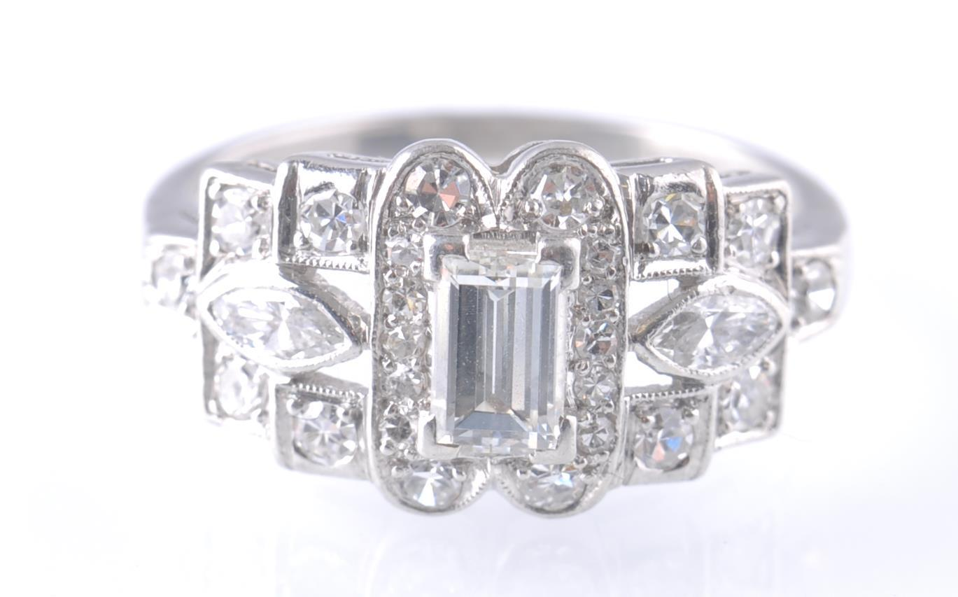 ART DECO PLATINUM AND DIAMOND RING EMERALD AND MAR - Image 2 of 5