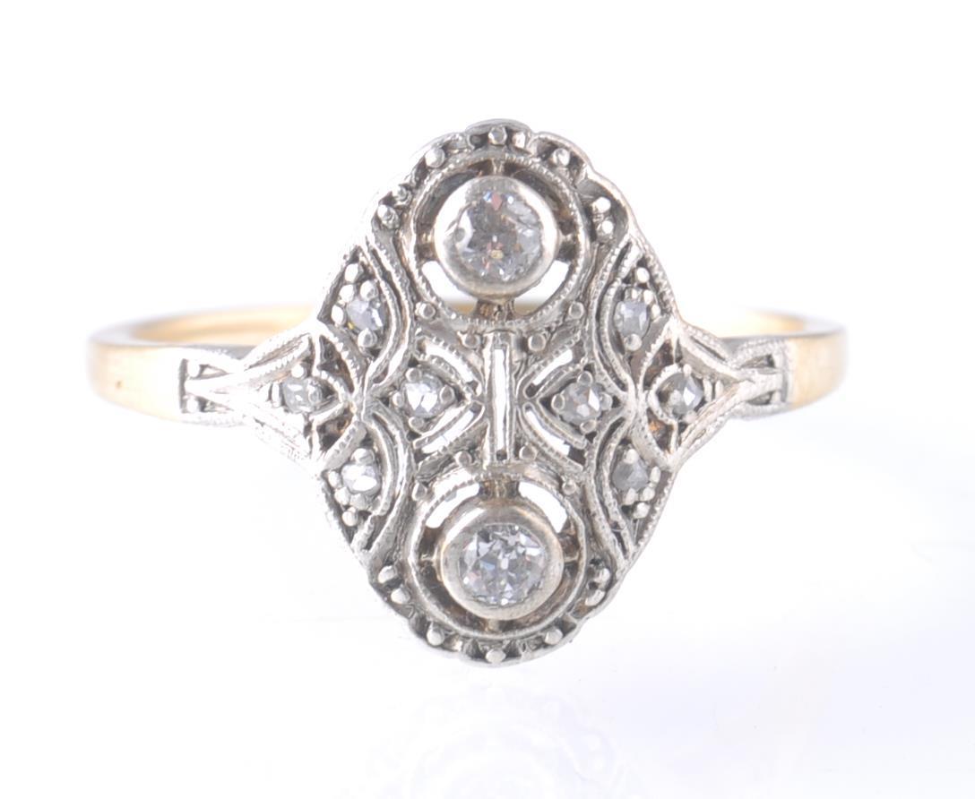 AN 18CT GOLD & PLATINUM ART DECO DIAMOND RING