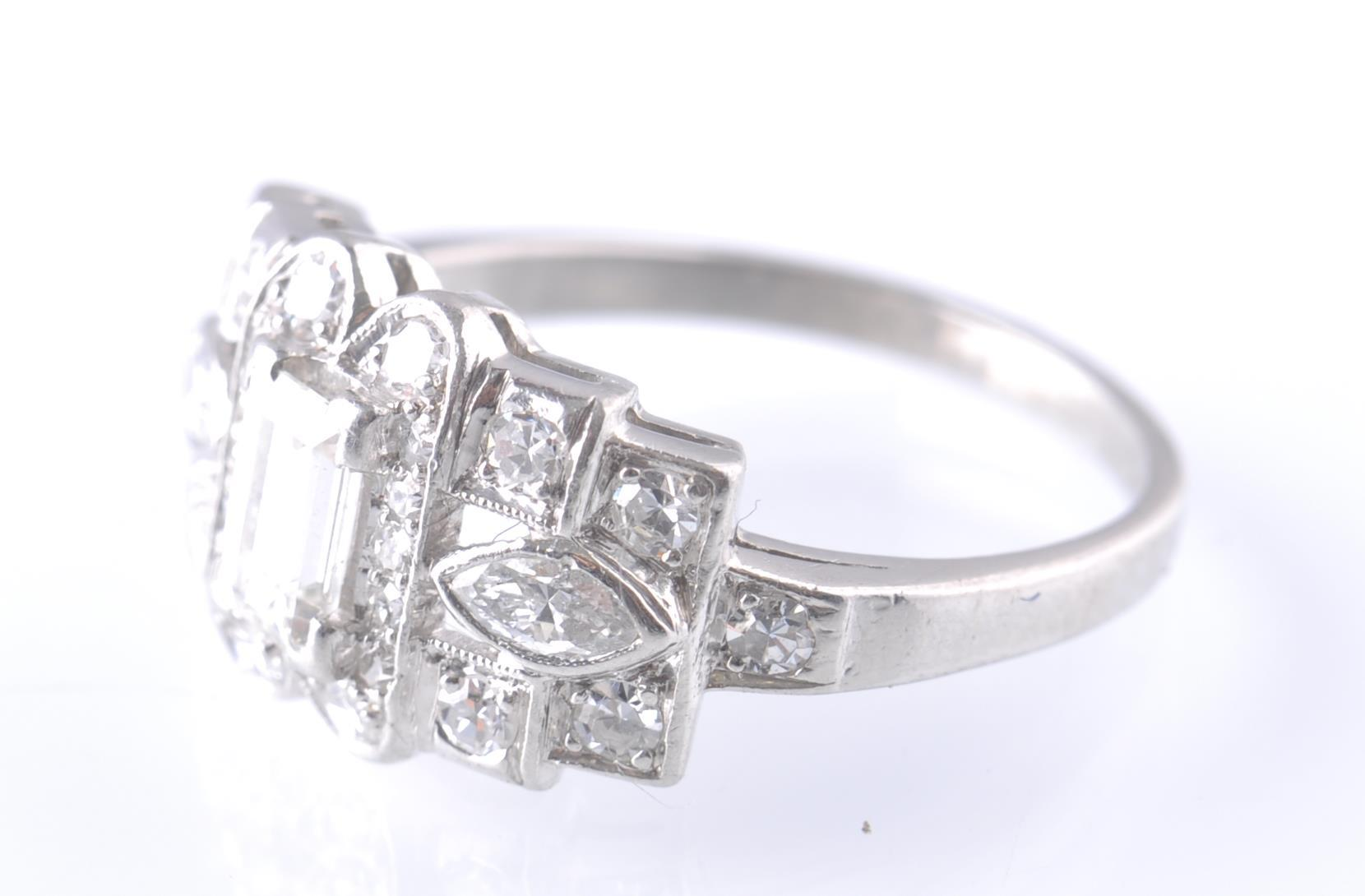 ART DECO PLATINUM AND DIAMOND RING EMERALD AND MAR - Image 4 of 5