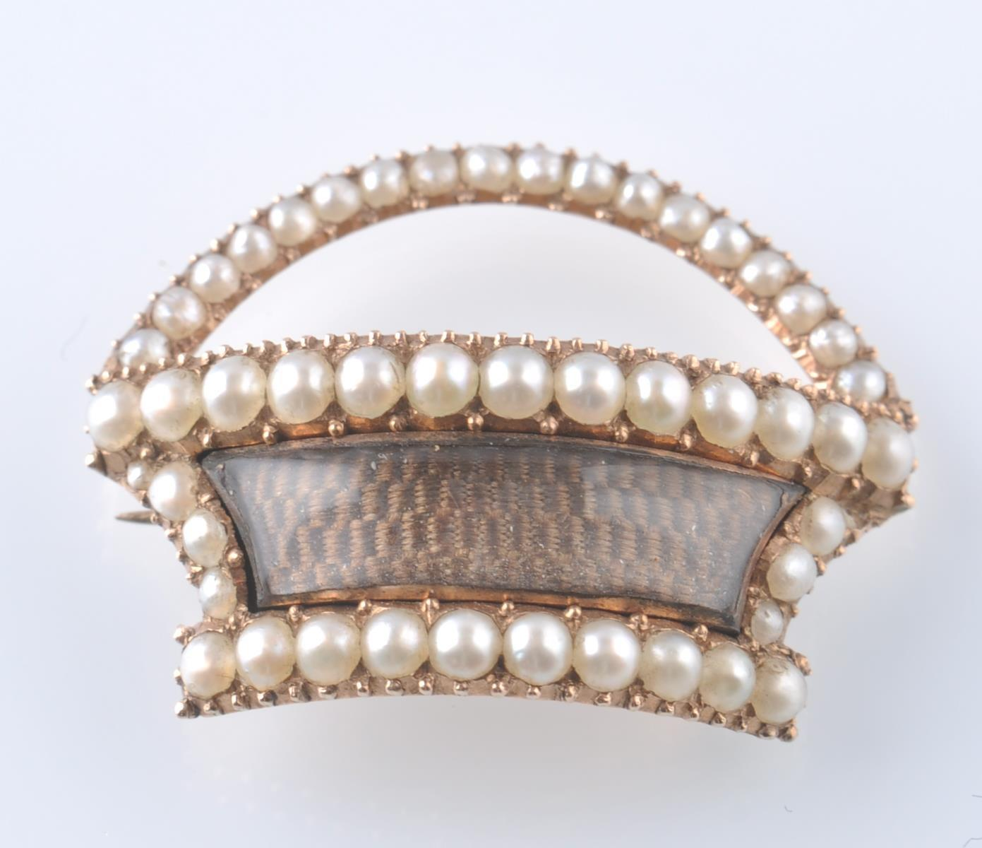 19TH CENTURY GEORGIAN GOLD AND SEED PEARL RELIQUAR - Image 2 of 3