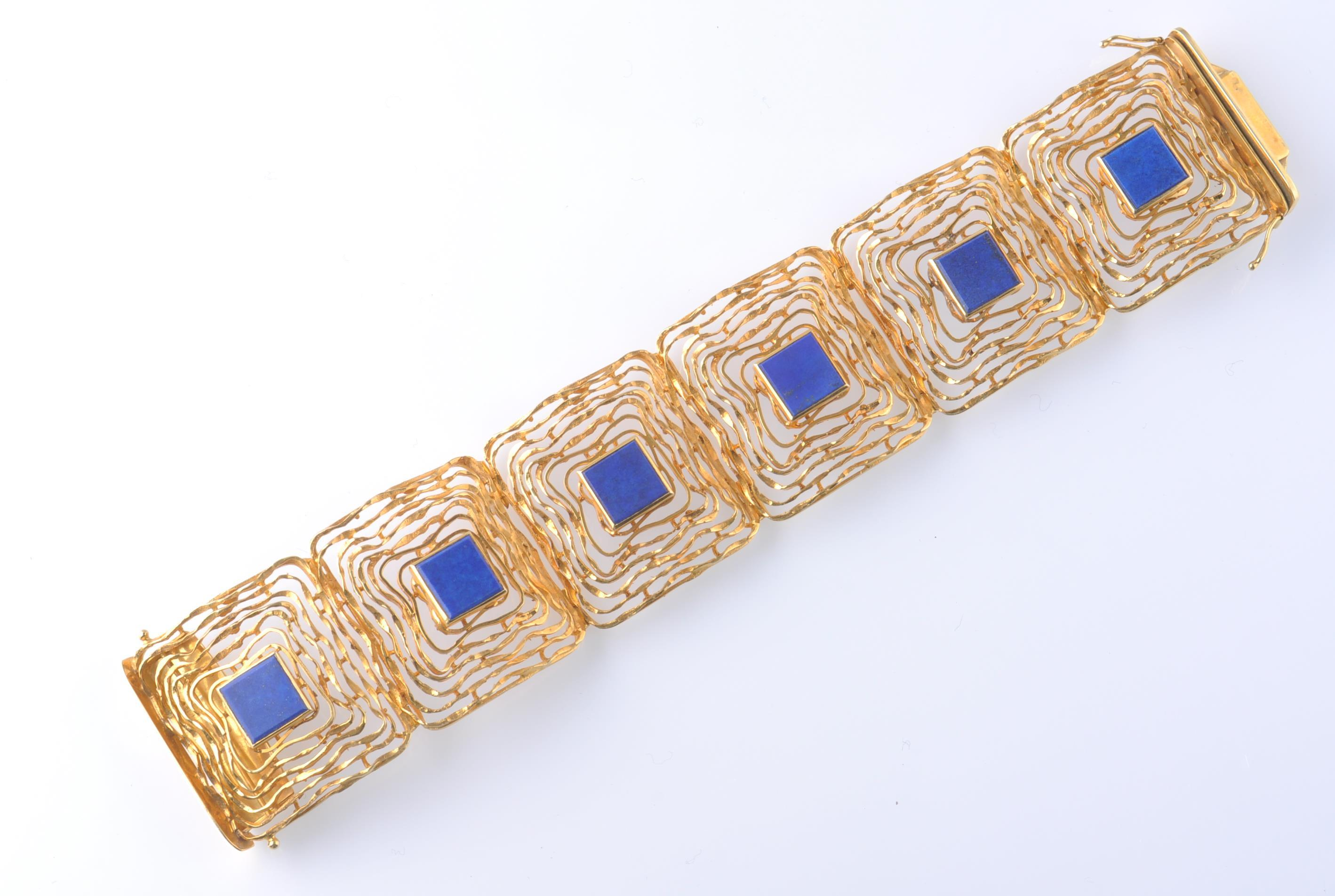A MID CENTURY 14CT GOLD AND LAPIS LAZULI BRACELET - Image 5 of 6