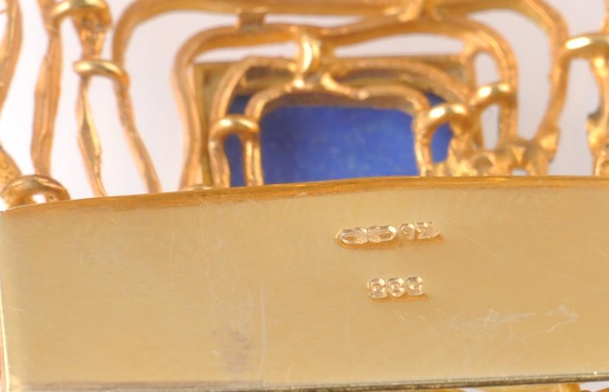 A MID CENTURY 14CT GOLD AND LAPIS LAZULI BRACELET - Image 6 of 6