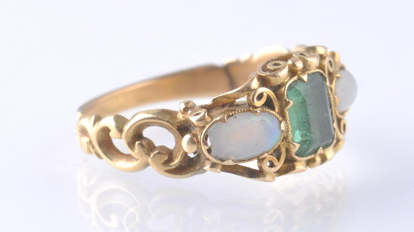Lot 3 - VICTORIAN 18T GOLD EMERALD AND OPAL RING