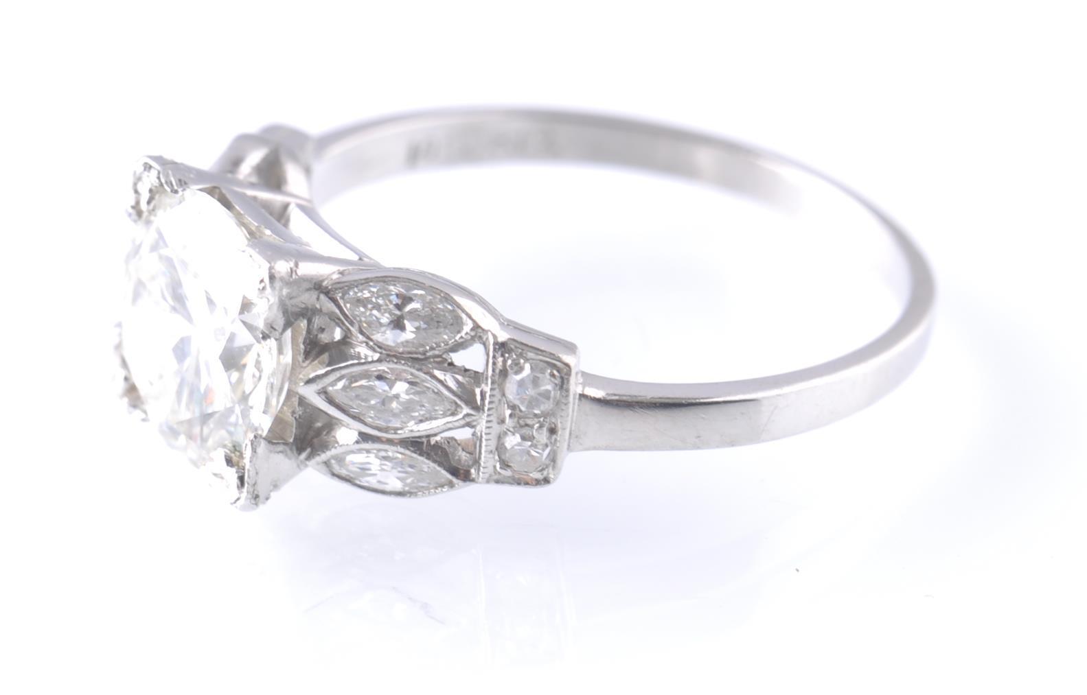 ART DECO PLATINUM AND DIAMOND SOLITAIRE 2CT RING - Image 3 of 5