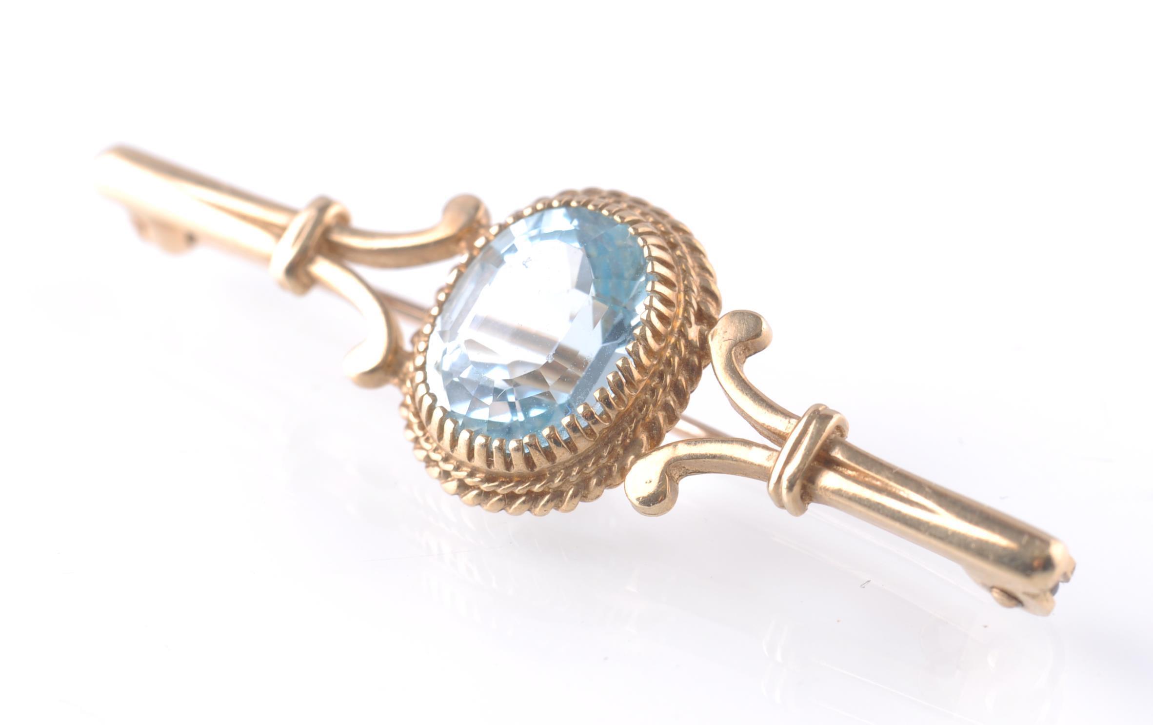 9CT GOLD HALLMARKED LADIES BLUE QUARTZ STONE BAR B