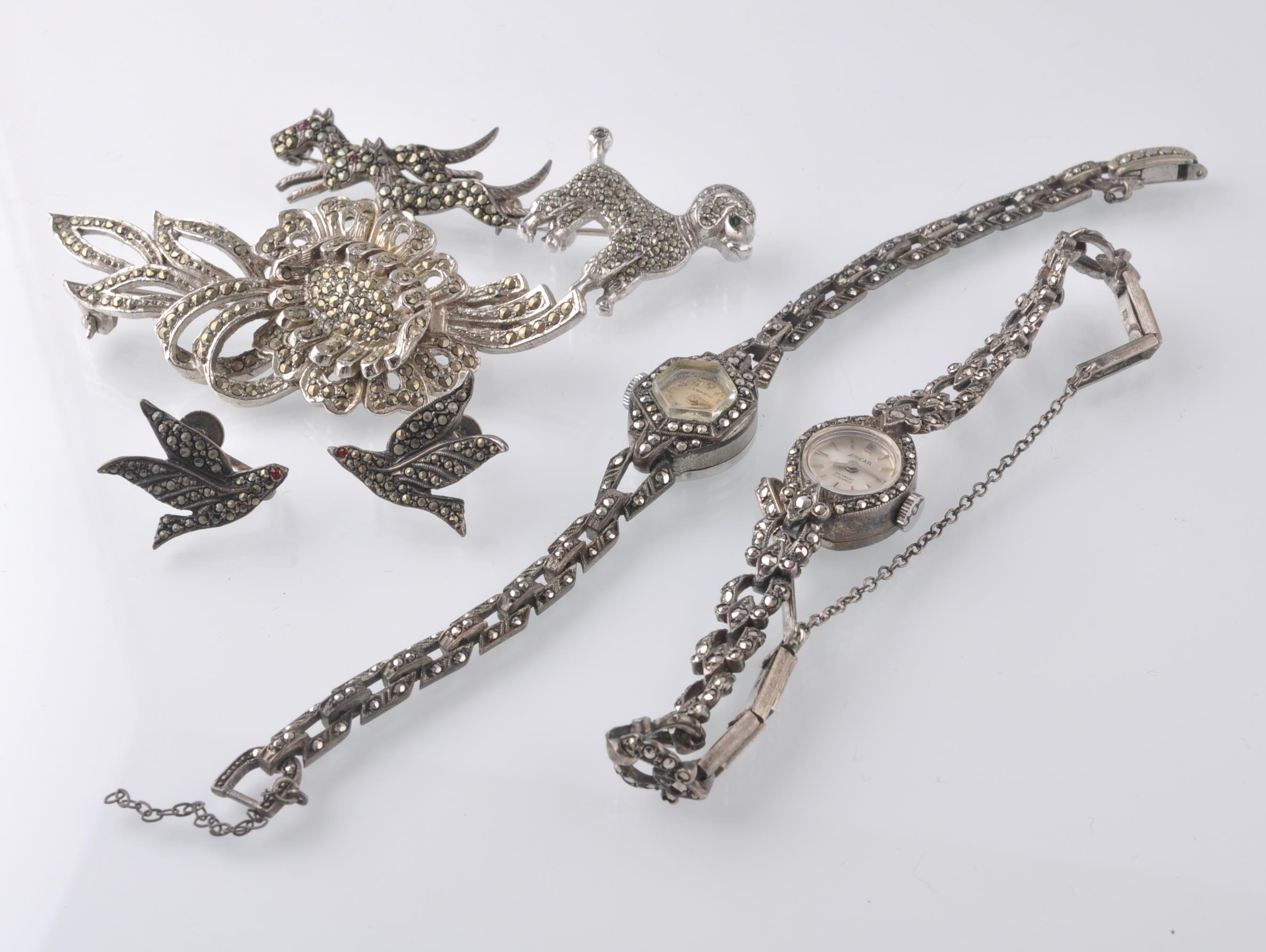 LARGE SELECTION OF SILVER AND WHITE METAL JEWELLER - Image 11 of 13