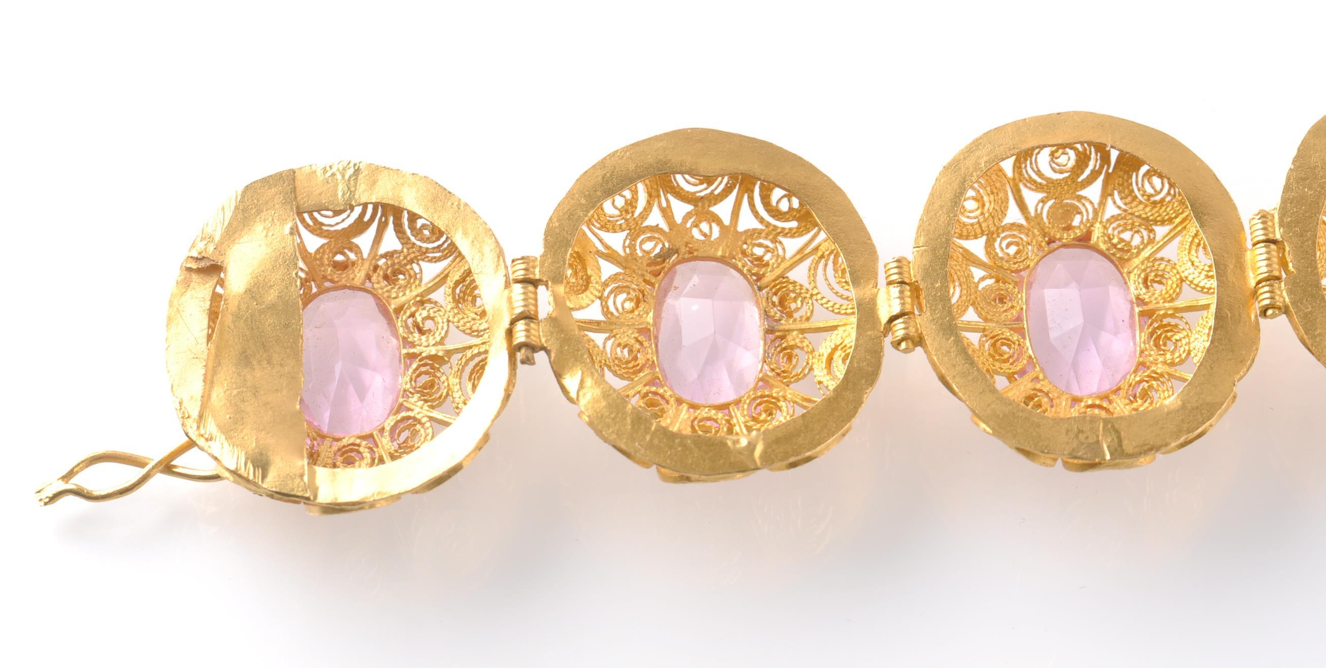 A GOLD FILIGREE AND PINK STONE BRACELET WITH PIN - Image 8 of 9