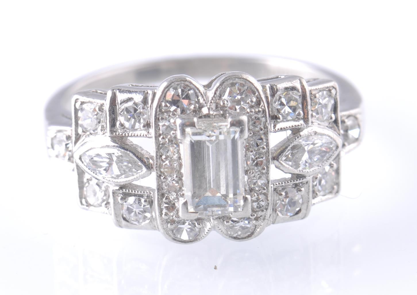 ART DECO PLATINUM AND DIAMOND RING EMERALD AND MAR - Image 3 of 5