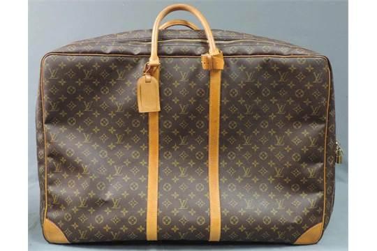 723991f57723b Großer LOUIS VUITTON Koffer   Reisetasche. Circa 50 cm x 70 cm ...
