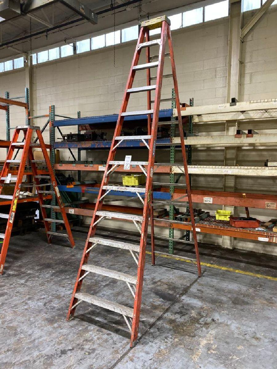 Werner Model 6212 12' Fiberglass Step Ladder