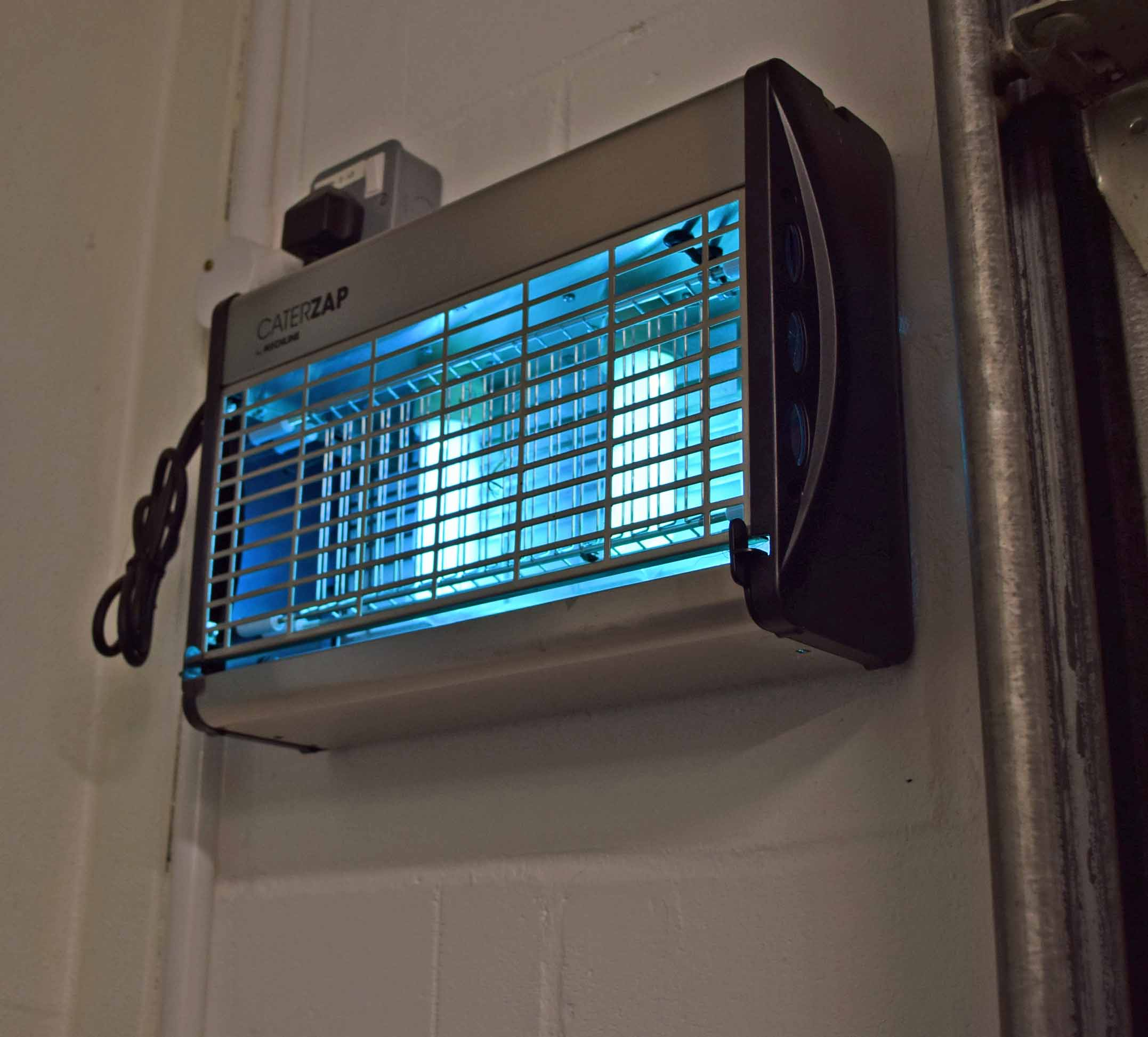 Two MECHLINE CaterZap Wall mounted Plug-In Electric Insectocutors - Image 2 of 2