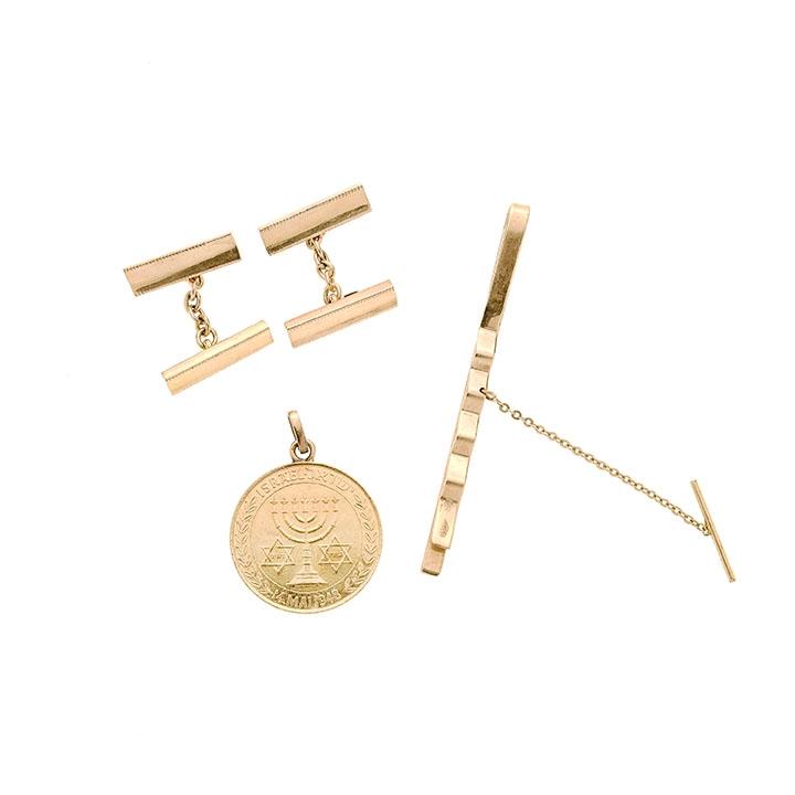 Lot 61 - Lotto: fermacravatta, genmelli e pendente in oro giallo