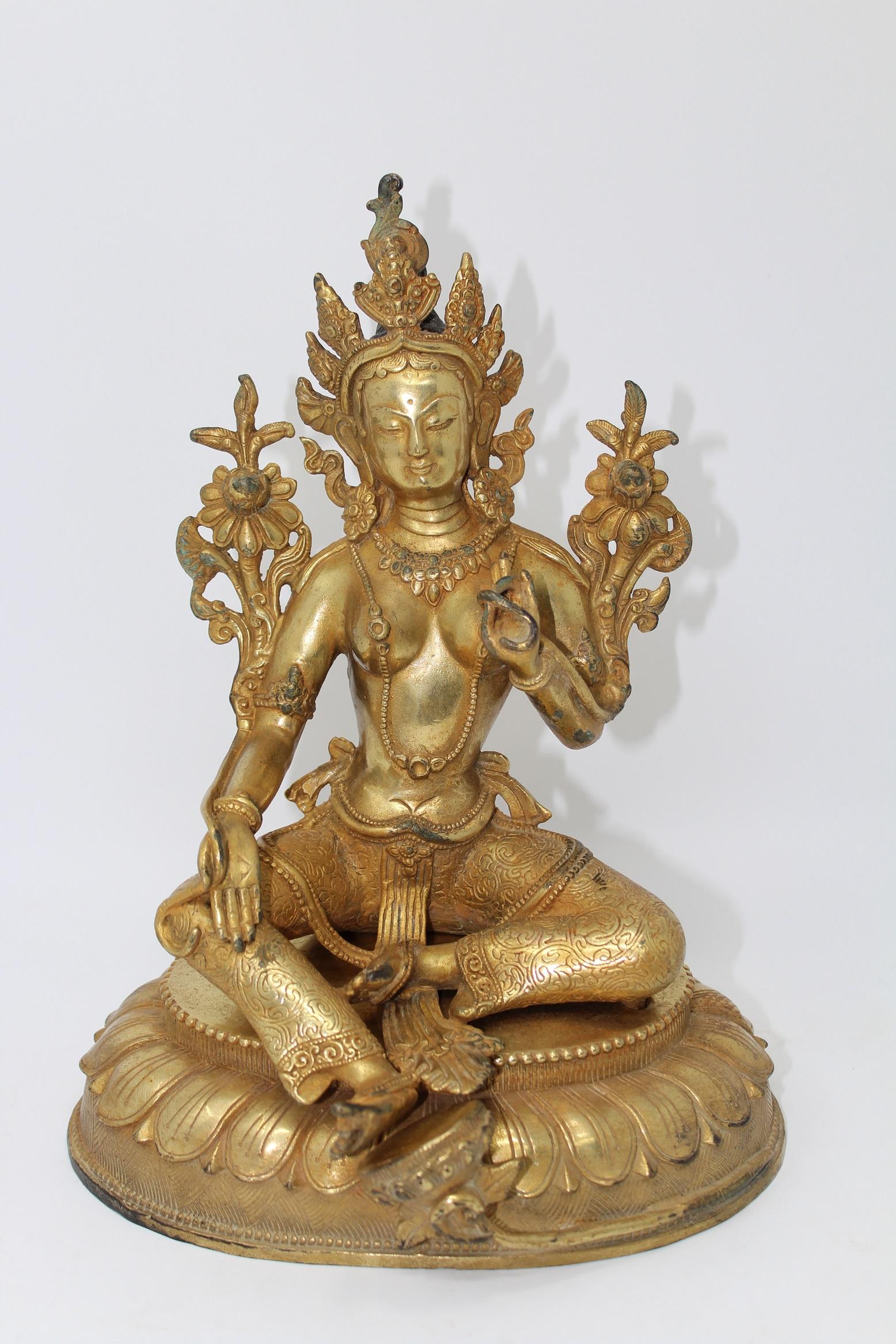 Lot 31 - Tibetan Seated Gilt Bronze Buddha Figure