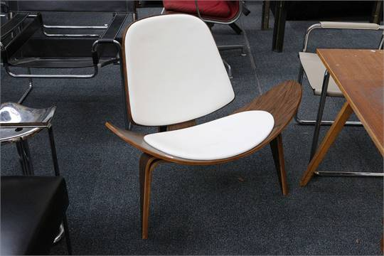 a hans wegner style ch07 shell chair walnut with white leather